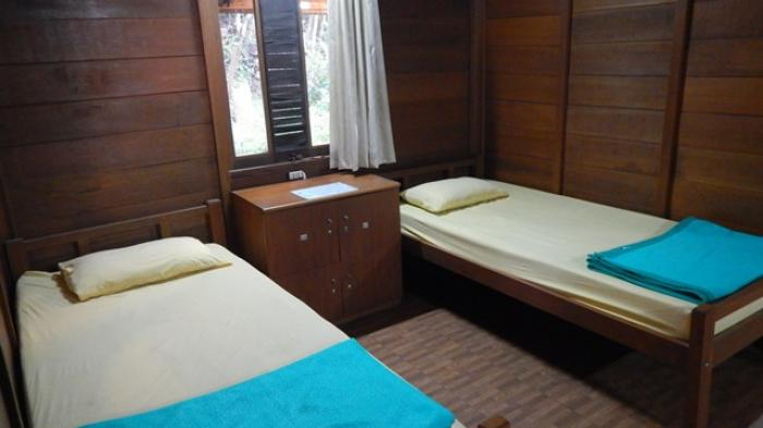 Tempat tidur dalam asrama