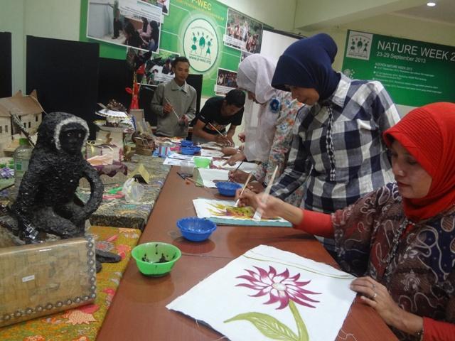 Workshop Menggambar dengan Pewarna Alami